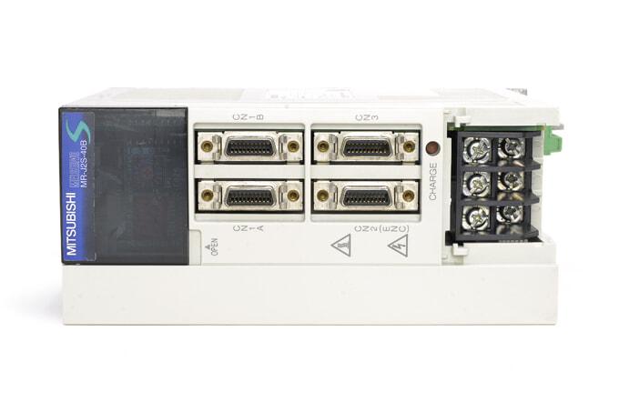三菱 ACサーボアンプ MR-J2S-40B (電源ON累積時間17805h・欠け割れあり)