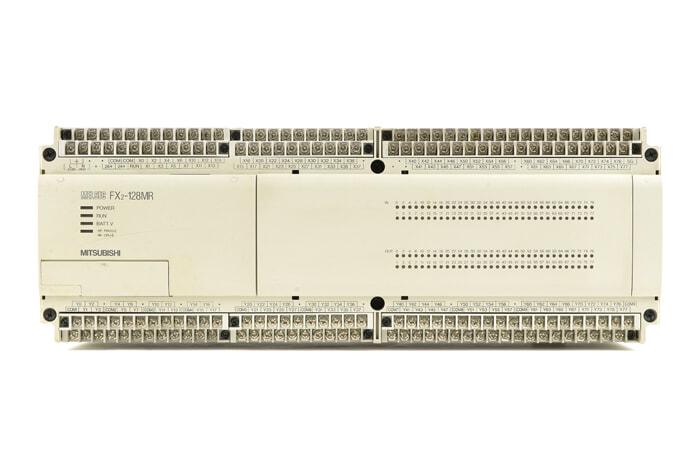 三菱 シーケンサ FX2-128MR (96年2月製・DINレールの固定が不安定)