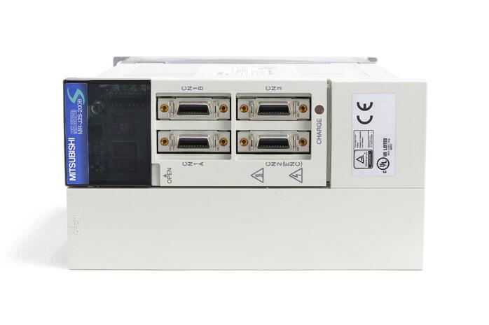 三菱 ACサーボアンプ MR-J2S-200B (電源ON累積時間44337h)