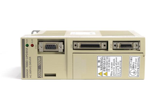 オムロン ACサーボドライバ R88D-UP04HA (ソフトVer005・00年2月製)