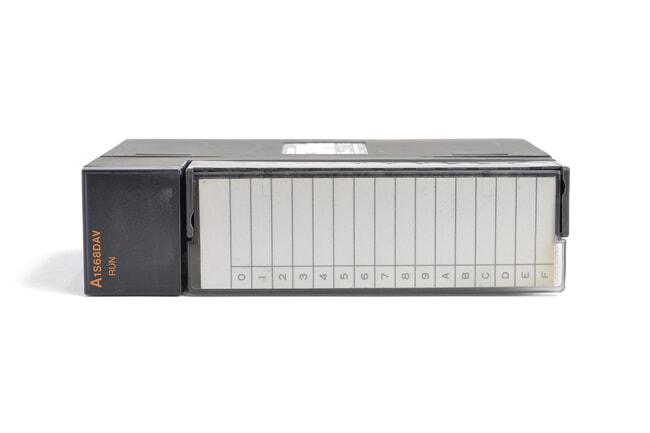 三菱 デジタル-アナログ変換ユニット A1S68DAV (05年12月製・ED)