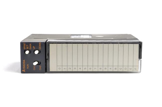 三菱 ディジタル-アナログ変換ユニット A1S62DA (99年7月製・HB)