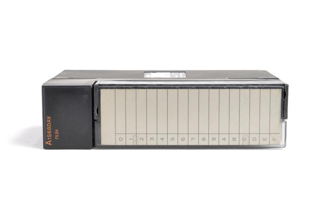 三菱 デジタル-アナログ変換ユニット A1S68DAV (03年4月製・ED)