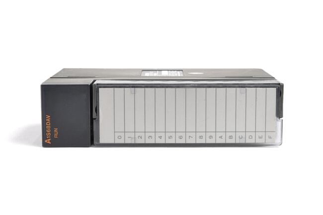 三菱 デジタル-アナログ変換ユニット A1S68DAV (00年12月製・ED)