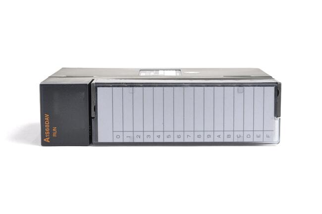 三菱 デジタル-アナログ変換ユニット A1S68DAV (99年4月製・DD)