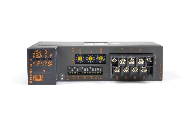 三菱 計算機リンクユニット A1SJ71UC24-R4 (01年製・BV・欠けあり)