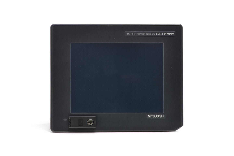 三菱 グラフィックオペレーションターミナル GT1550-QLBD (11年製・欠けあり)