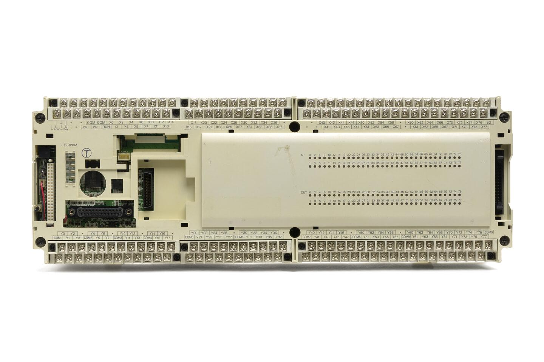 三菱 シーケンサ FX2-128MT (96年製・V3.30・欠けや割れあり)