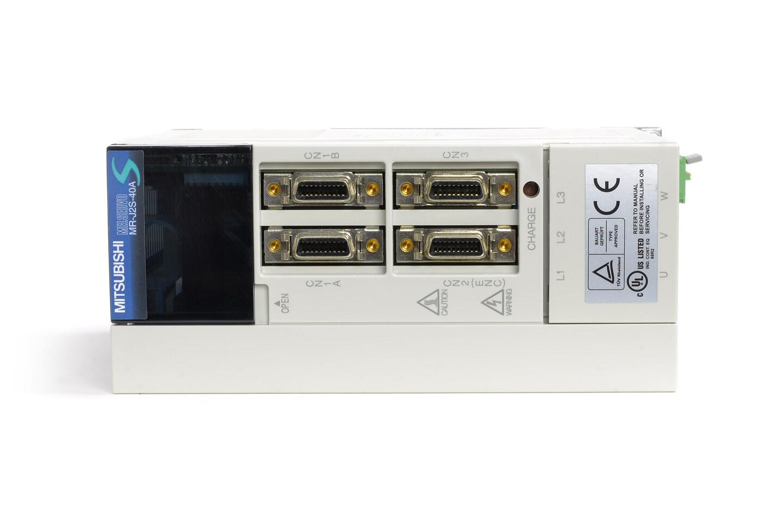 三菱 ACサーボアンプ MR-J2S-40A (電源ON累積時間10579h)