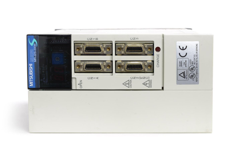 三菱 ACサーボアンプ MR-J2S-200B (電源ON累積時間102313h)