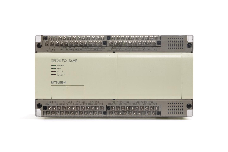 三菱 シーケンサ FX2-64MR (90年製・V1.21・DINレールの固定が不安定)