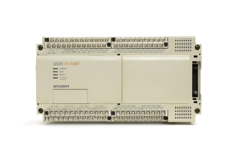 三菱 シーケンサ FX1-64MT (97年製・V1.03・DINレールの固定が不安定)