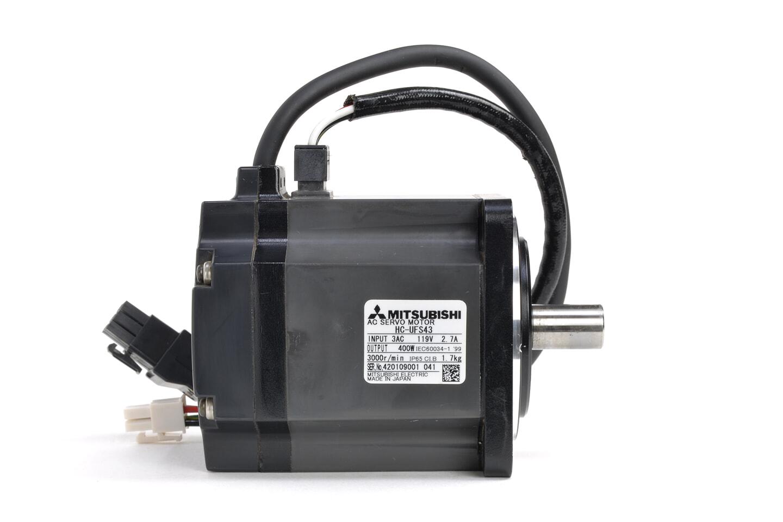 三菱 ACサーボモータ HC-UFS43 (ケーブルが短い)