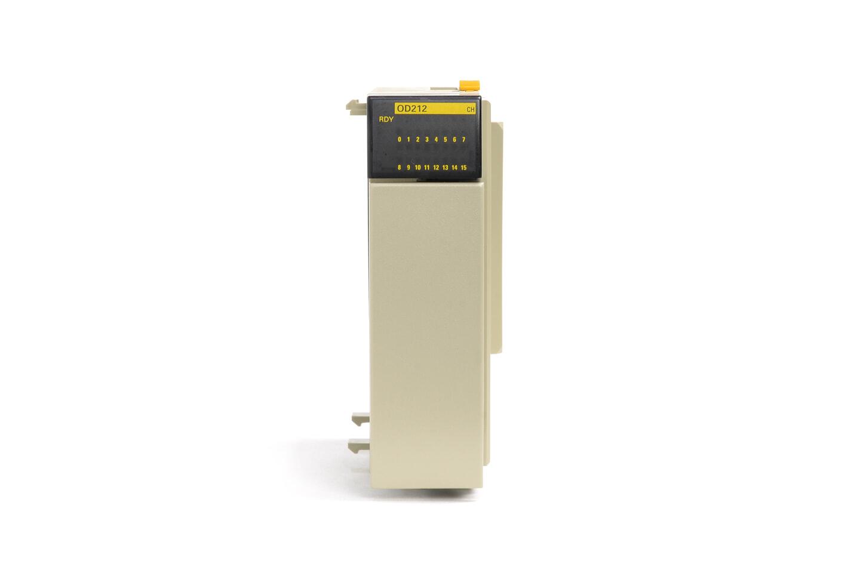 オムロン トランジスタ出力ユニット CQM1-OD212 (09年製)