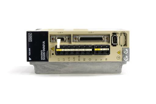 安川電機 ACサーボパック SGDS-04A01A (ソフトVer0023・コネクタに錆あり)
