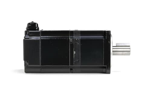 安川電機 ブレーキ付きACサーボモータ SGMAS-02ACA4C (欠けあり)