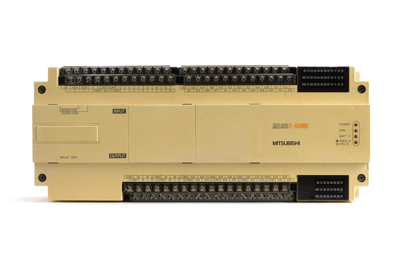 三菱 シーケンサ F1-60MR (89年製) ※センサ用DC24V出力端子使用不可