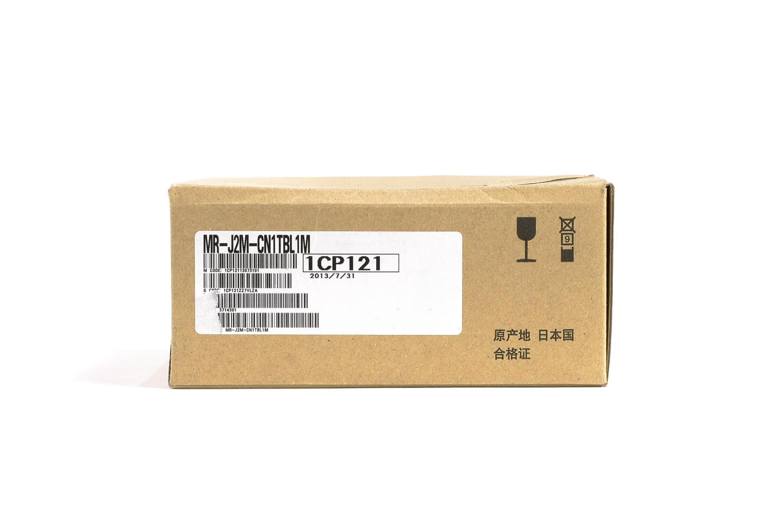 三菱 中継端子台/中継端子台ケーブル MR-J2M-CN1TBL1M