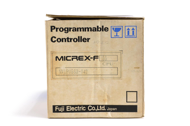 富士電機 プログラマブルコントローラ NV1P056R-042 (95年製)