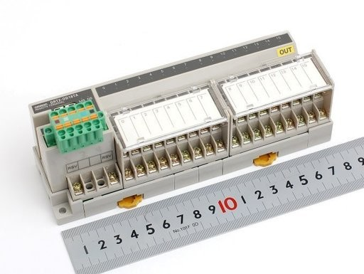 オムロン リモート16点出力ターミナル(3段端子台タイプ) DRT2-OD16TA