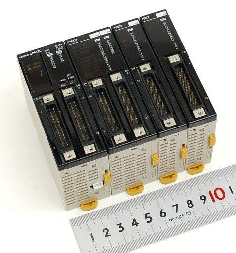 オムロン プログラマブルコントローラーと拡張I/Oユニットのセット CPM2C-10C1DTC-D