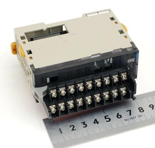 オムロン 出力ユニット CJ1W-DA021