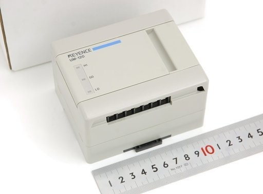 キーエンス 壁面取付式レベルスイッチ UM-120+UM-010