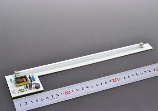 冷陰極管とインバーターのセット(冷陰極管:10本入り)