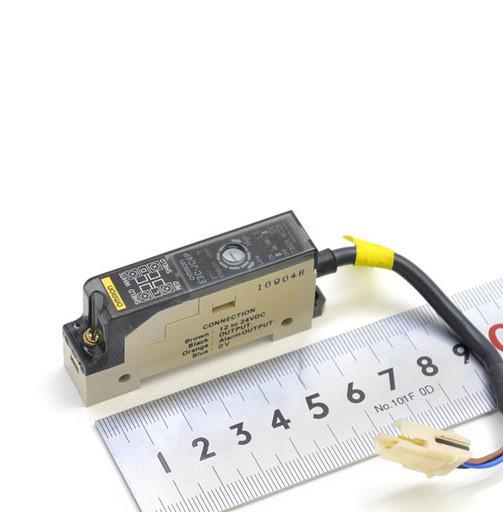 オムロン 光電センサアンプ E3C-JC4P