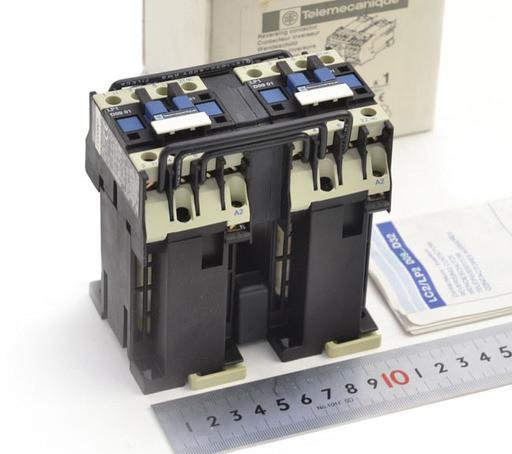 テレメカニック コンタクタ LP2 D0901BD(DC24V)