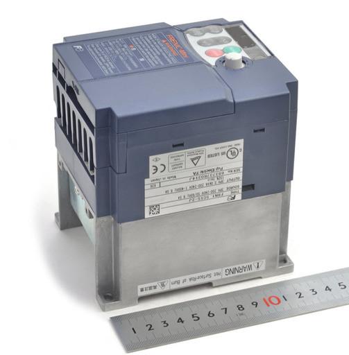富士電機 インバータ FRN1.5C1S-2J(不具合あり)