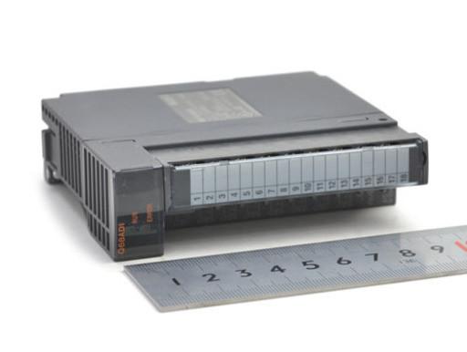 三菱 アナログ−ディジタル変換ユニット Q68ADI