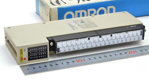 オムロン 出力ユニット C500-OD212