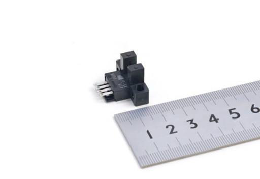 オムロン フォトマイクロセンサ EE-SX671