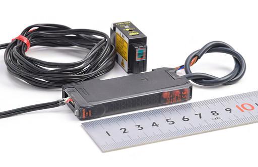 オムロン 光電センサとアンプのセット E3C-LR11+E3C-LDA21