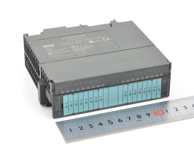 SIEMENS デジタル出力モジュール SM322 (6ES7322-1BH01-0AA0)