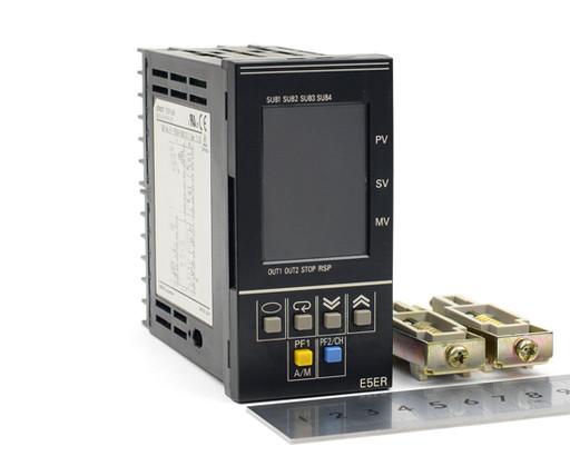 オムロン 温度調節器 E5ER-Q4B
