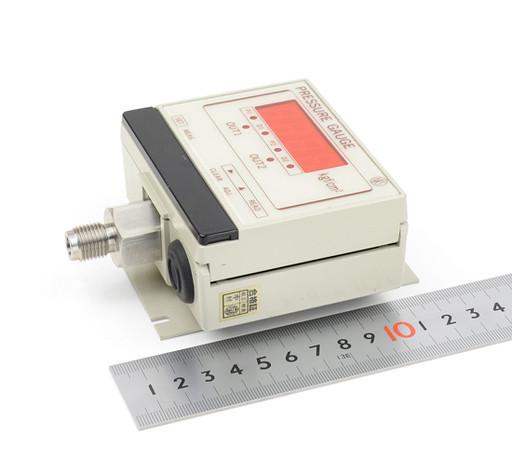 長野計器 デジタル圧力計 GC72
