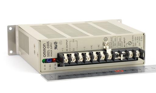 オムロン スイッチングパワーサプライ S82L-0305