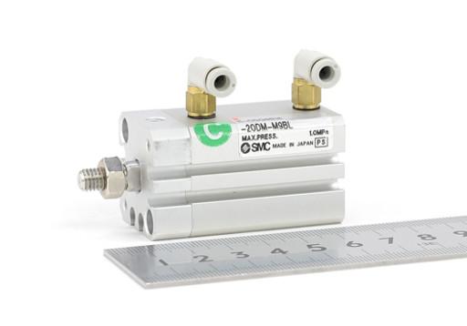 SMC 薄形シリンダ 11-CDQSB16-20DM-M9BL