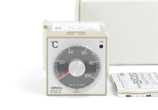 オムロン 温度調節器 E5C2-R20P(AC100-240V)