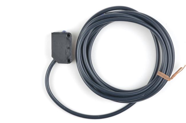 オムロン 光電センサ(拡散反射形) E3Z-D61 2M