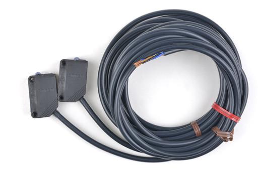 オムロン 光電センサ(透過型) E3Z-T61A