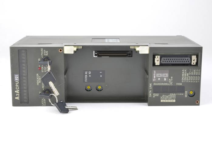 三菱 CPUユニット A3ACPUP21 (03年4月製)
