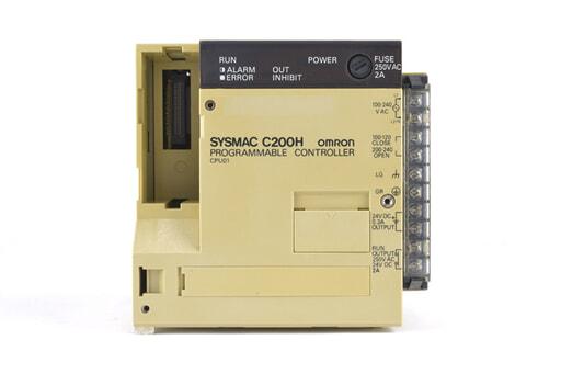 オムロン CPUユニット C200H-CPU01 (93年4月製・割れている箇所が複数)