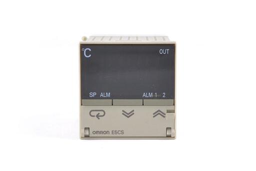 オムロン 温度調節器 E5CS-Q1PU-W (09年10月5日製)