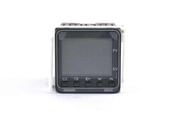 オムロン 温度調節器 E5CC-RX0ASM-000 (09年2月12日製)