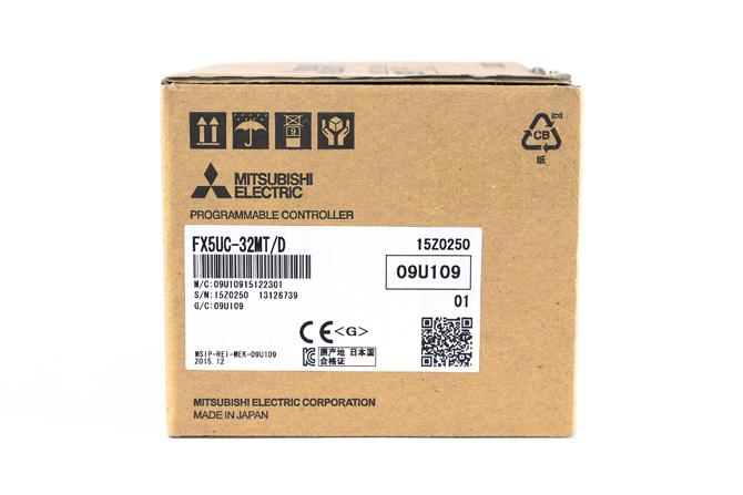 三菱 シーケンサ FX5UC-32MT/D  (15年12月製)