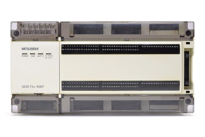 三菱 シーケンサ FX2C-160MT (96年12月製・欠けあり)
