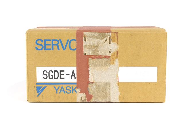 安川電機 ACサーボパック SGDE-A5BP (00年9月製)